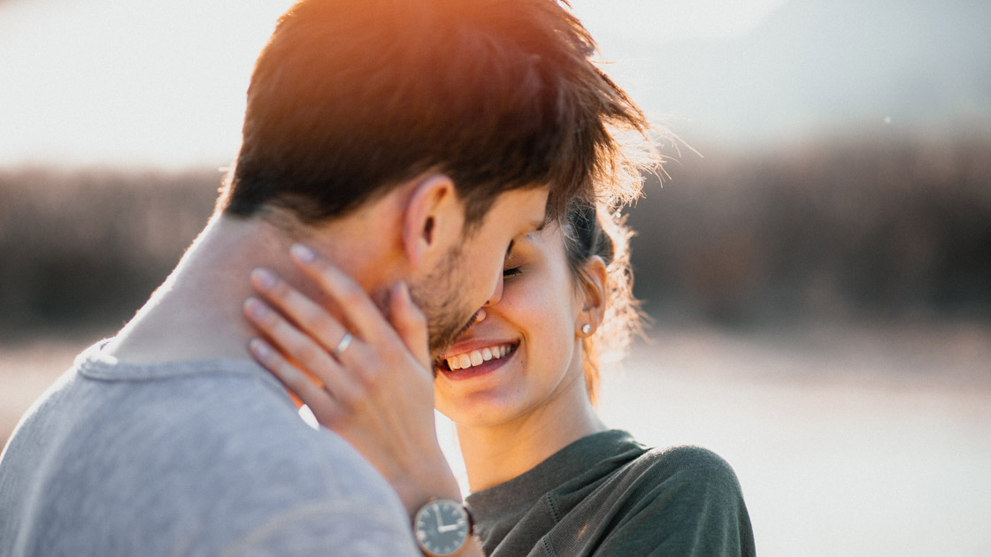 Männer Verlieben Sich In Vier Phasen